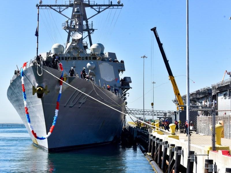 USS Sterett docks in San Deigo
