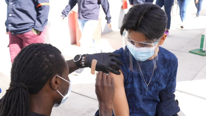 Vaccinations at cross-border clinic