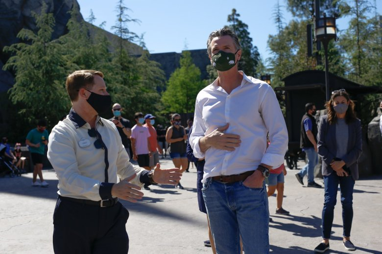 Gavin Newsom meets with workers at Universal Studios