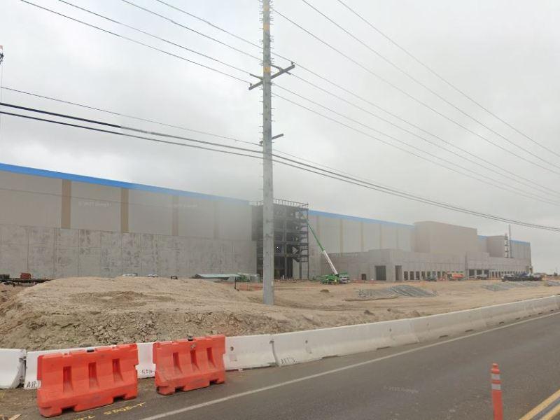 Amazon center under construction