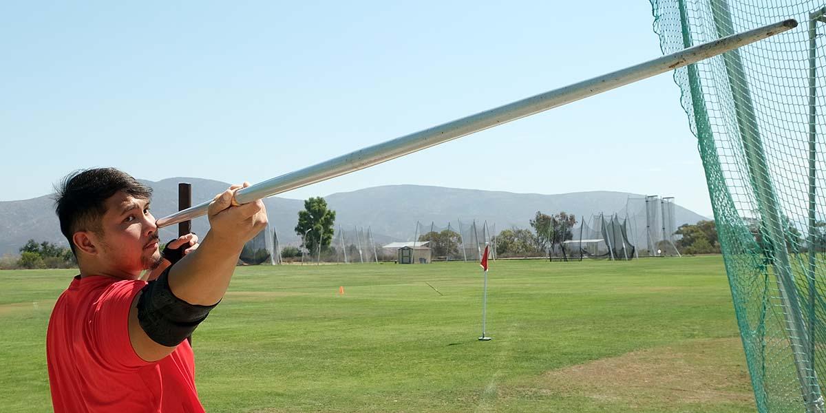 Justin Phongsavanh.and 600g javelin