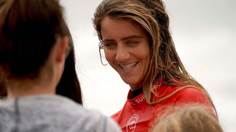 Surf winner Caroline Marks interacts with fans after her competition. Photo by Chris Stone