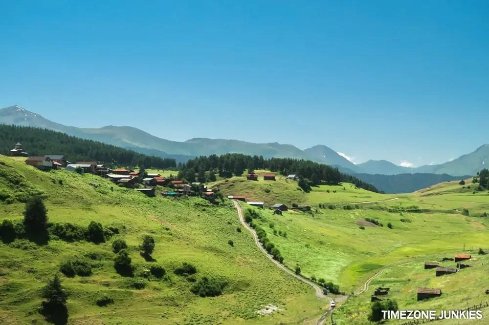 caucasus trekking