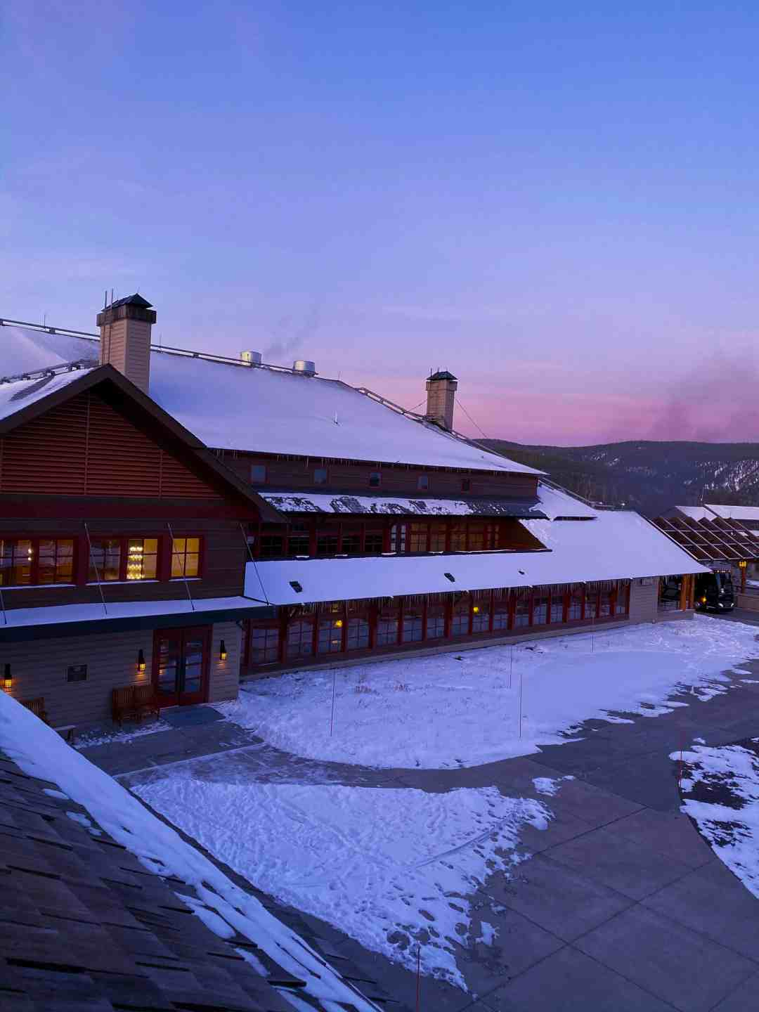 Old Faithful Snow Lodge Yellowstone