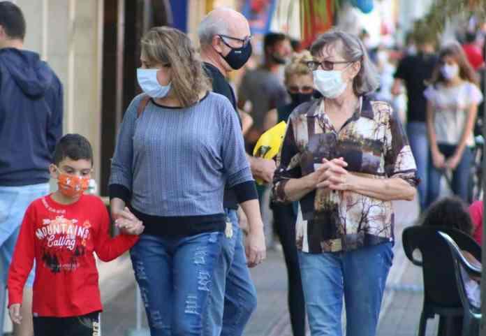 maior rigor novo decreto mascara na rua