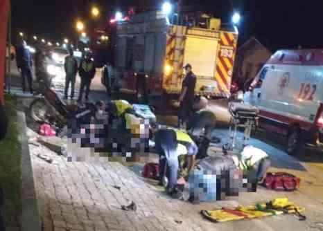 Motos explodem após colisão, bombeiros atendem ocorrencia