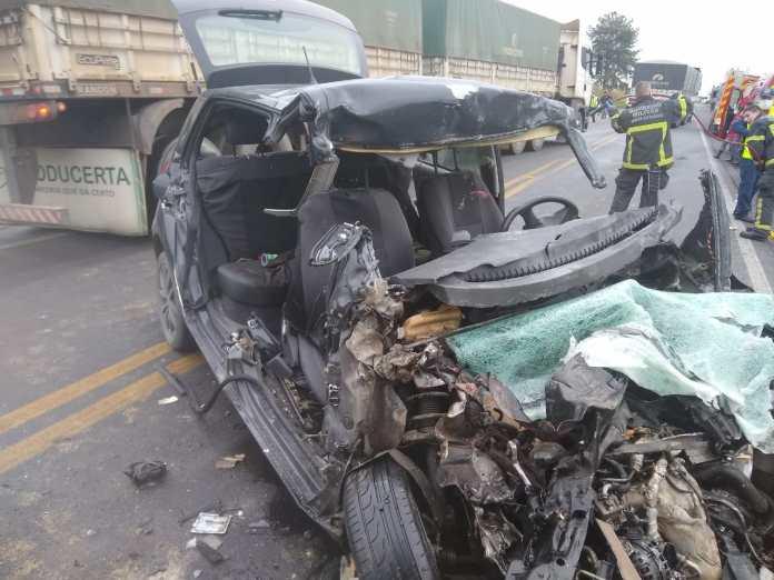Quatro pessoas morrem em acidente