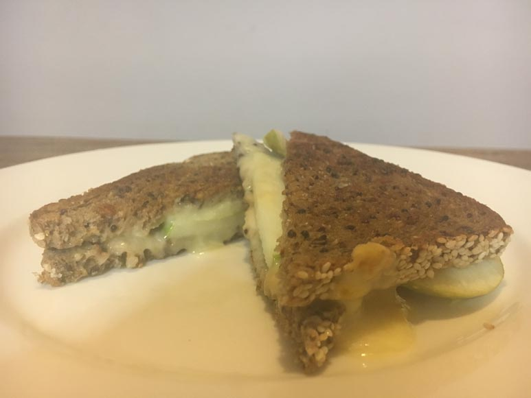 Jensen red cheese and granny smith apple