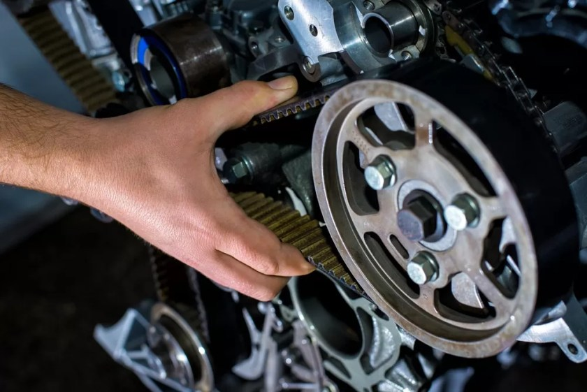 Symptoms of Bad Car Timing Belt - Problems & 6 Warning Signs
