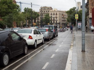 A protected bike lane, something Australia needs more of.
