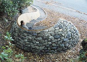 Harlech Bench