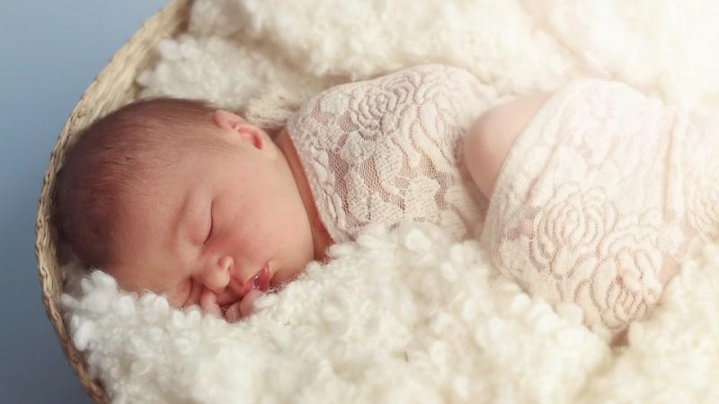 Гигиена новорожденного: умывание, массаж и купание младенца