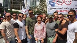 nauru_detention_guards_suspended_for_photo_with_pauline_hanson_at_reclaim_rally