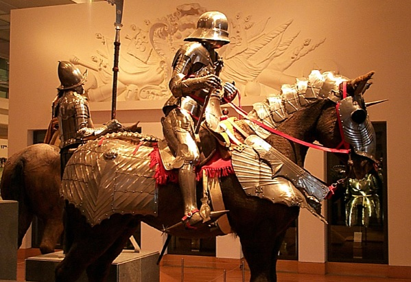 Fauld vs. Tonlet | Medieval Armor for the Waist and Hips