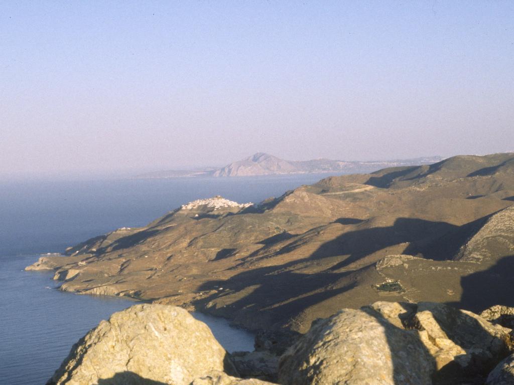 Cyclades/Anafi:view to Santorini