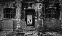 Decaying Doorway