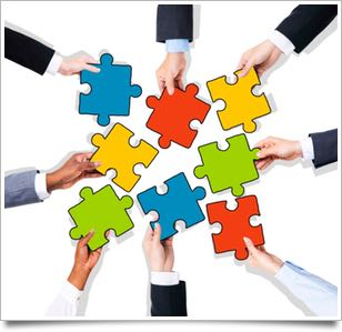 hands and puzzle iStock_000049265406_websize