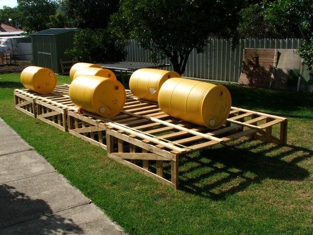 Ex soft drink plastic barrels were used for floatation.