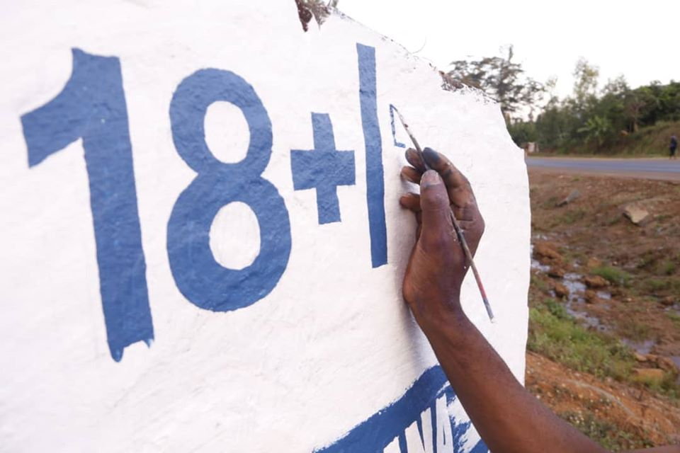 18+ Atsikana Osaphweketsa