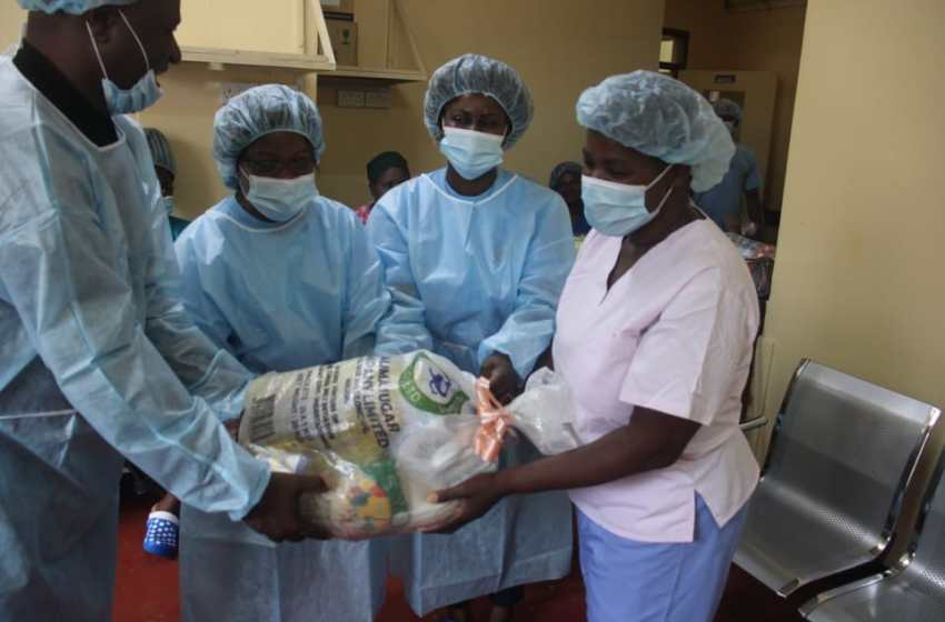FREINDS OF BURNS UNIT DONATES TO PATIENTS AT QECH