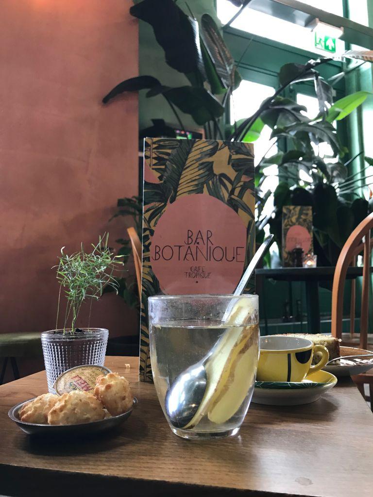 Bar Botanique amsterdam-oost ontbijt koffie