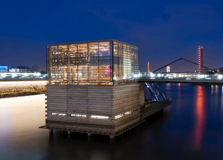 Lido Hafen Dusseldorf restaurant Medienhafen 11x waarom