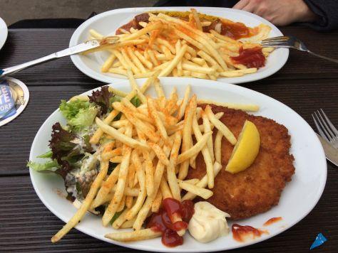 rheinuferpromenade dusseldorf cafés waarom 11x