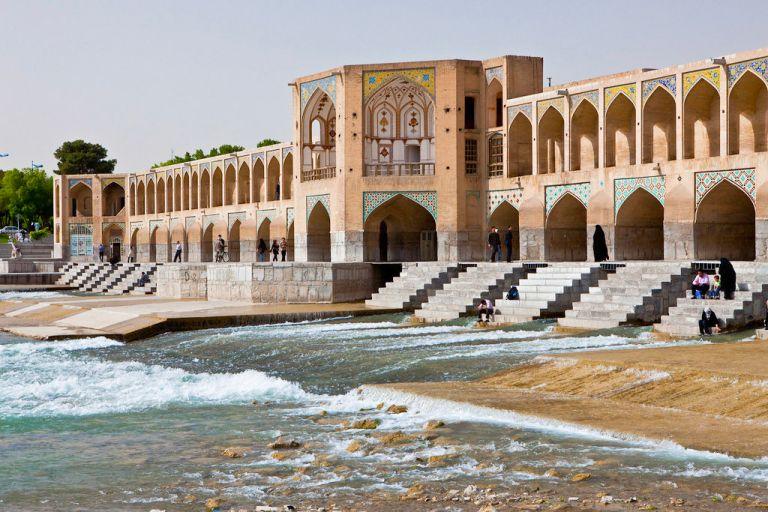 Isfahan heeft een sprookjesachtige ligging