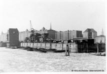 Eisgang im Hamburger Hafen 60er Jahre (Pap153a)
