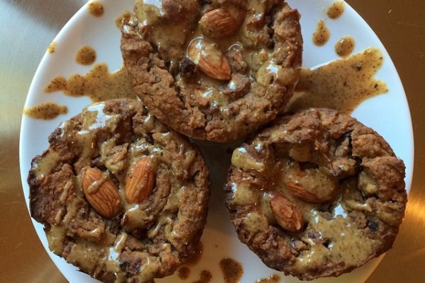 Elite runner Tina Muir shares a delicious healthy dessert from Running on Veggies. These chickpea blondies are the perfect way to satisfy your sweet tooth, without worrying about your training.