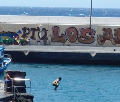 Los Abrigos, fishing harbor also used for water sport