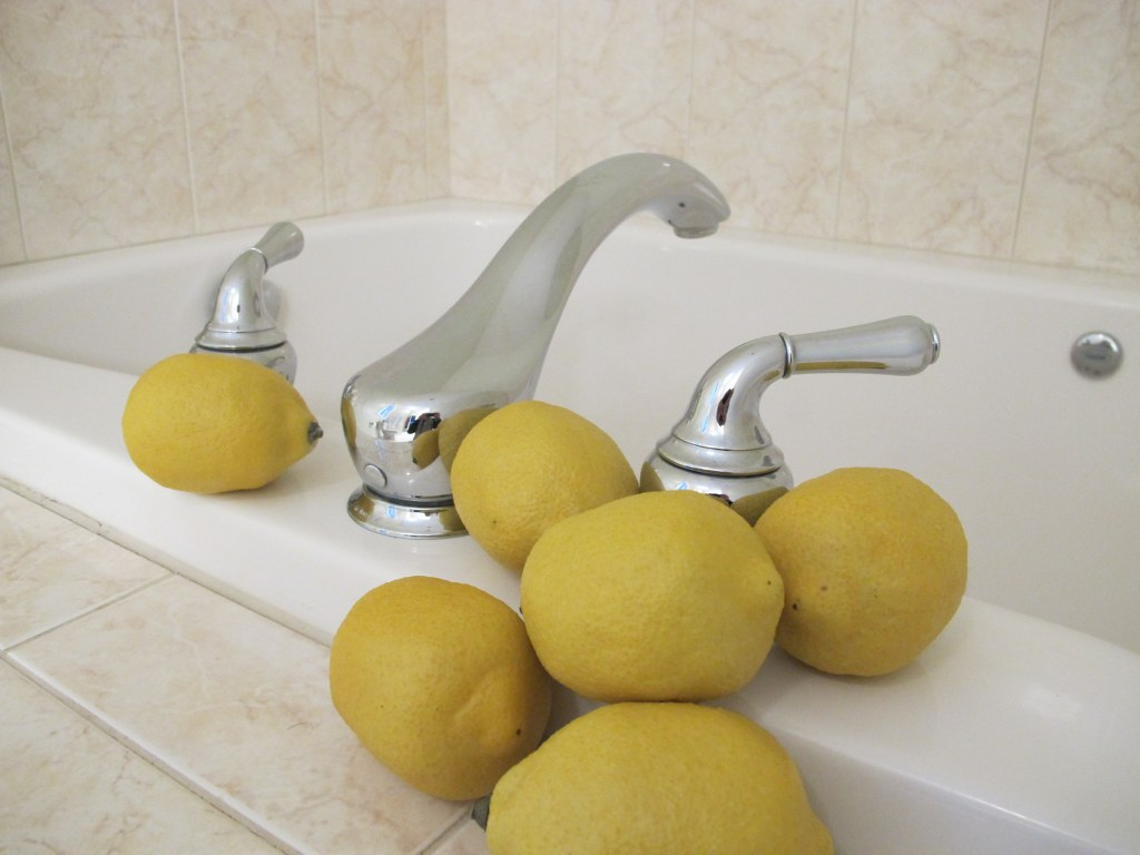How To Clean A Jetted Tub Using Natural Products Tina S