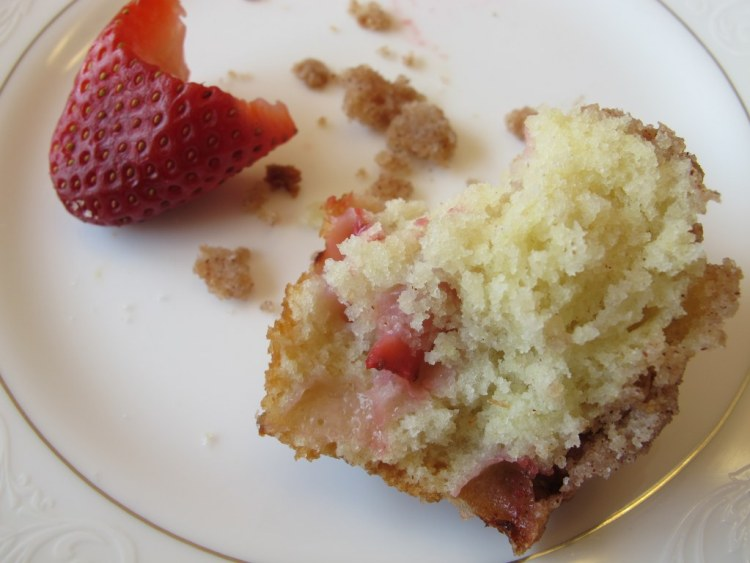 06Strawberry_Muffin_With_Crumb_Topping_1024x768