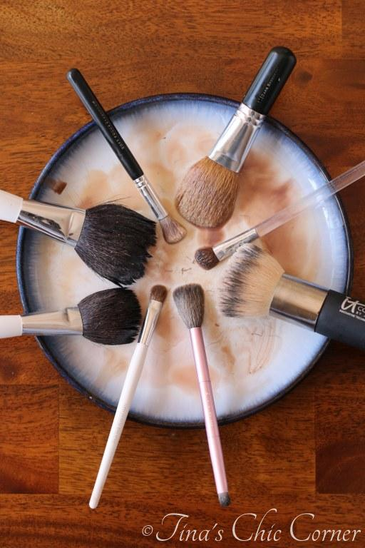 How to clean makeup brushes02