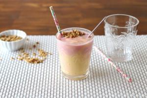 Strawberry Mango Smoothie05