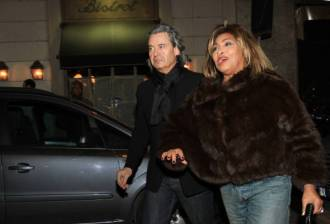 Tina Turner - Armani Fashion Show Milano Feb 2011 5