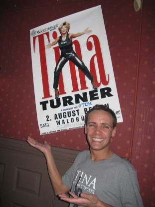 Tina Turner birthday fan party 2012 (7)