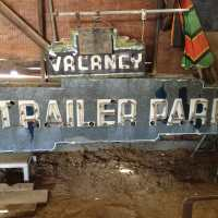 $ wanted to buy ! $ old trailer signs ,neon ,tin, porcelain,