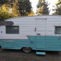 1962 SHASTA 16' WITH BATHROOM RARE SETUP