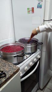 Mordants - Ajout de crème de tartre dans un  bain de cochenille - Résultat