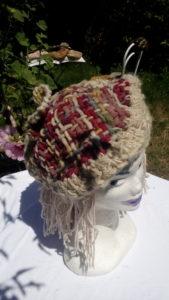 Béret, mouton, multicolor, teinture naturelle, indigo, cochenille, duraznillo, métier à clous, crochet