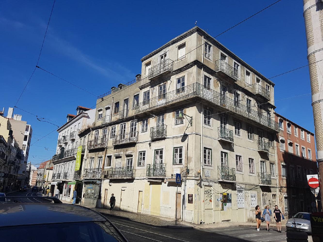 Abandoned house Graca.jpg