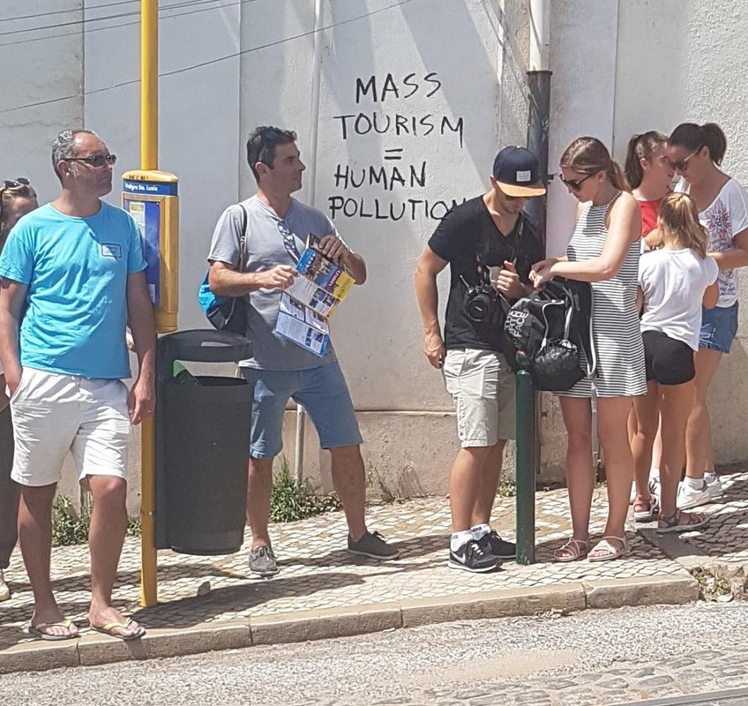 Lisbon Mass Tourism.jpg