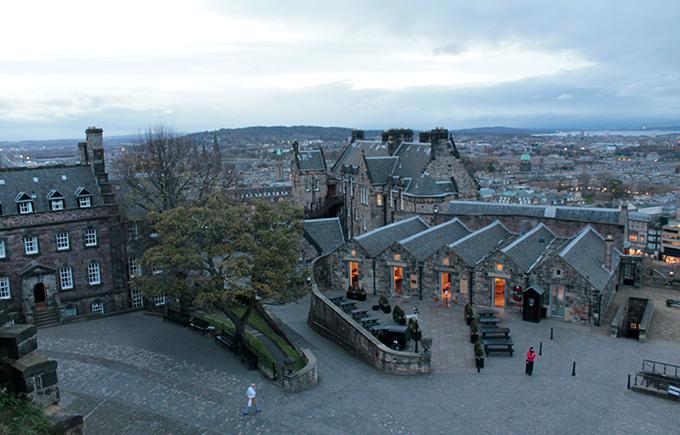 Vista interna do Castelo de Edimburgo