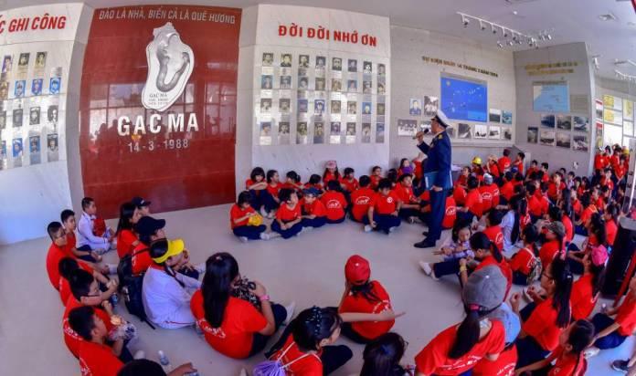 Liên đội Tiểu học Phước Tiến đã tổ chức chuyến hành trình về Khu tưởng niệm chiến sĩ Gạc Ma 3