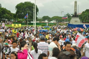 The crowd in Monday's Million People March against Pork Barrel in Luneta. Photo by Demerie Dangla, UP Aperture