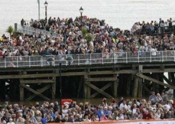 Stopover crowds