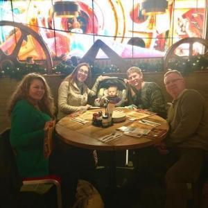 Tinley Park Family at Lou Malnati