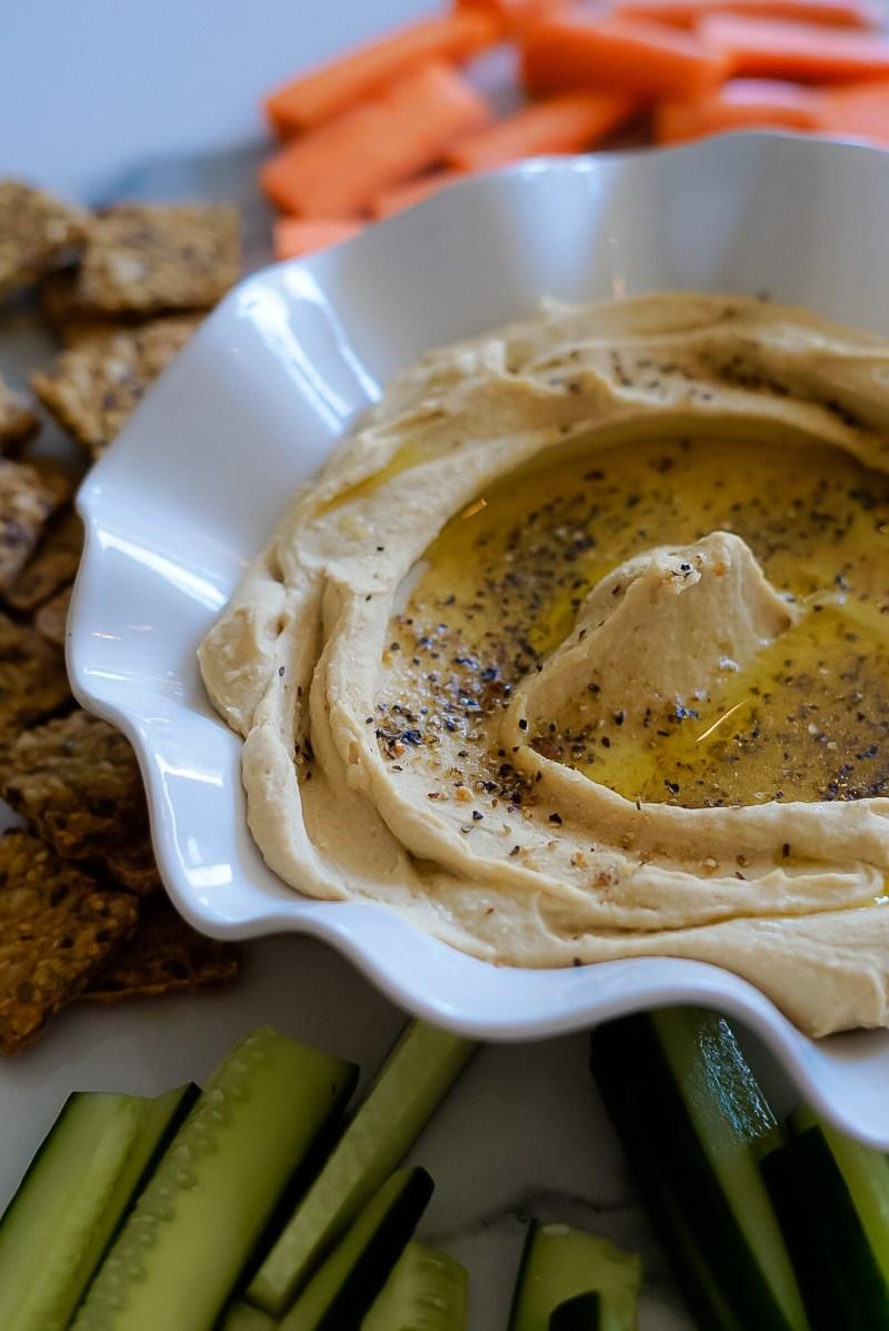 heimagerður silki mjúkur hummus