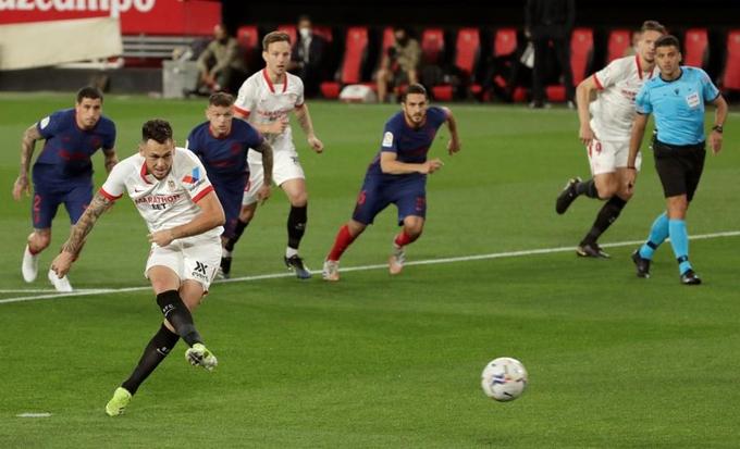 Thua 0-1 trước Sevilla, Atletico vẫn đầu bảng La Liga